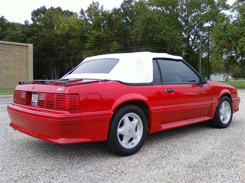 aaron  willis' 1993 ford mustang