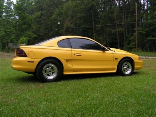 Barry jones' 95 ford mustang