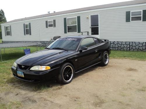 Brad  Johnson's 1995 ford Mustang GT