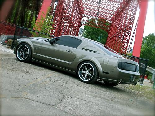 Drew Richardson's 2005 ford mustang GT