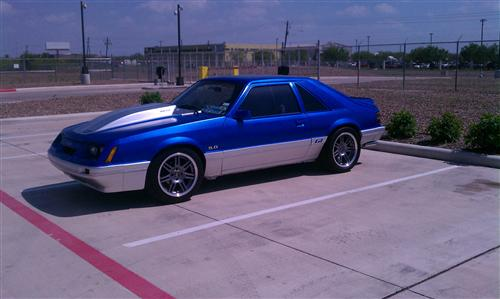 Jesus Flores' 1986 Ford  Mustang GT