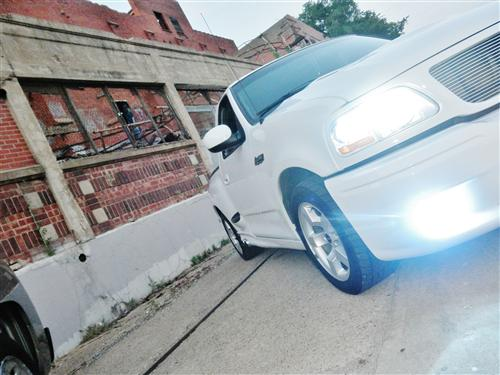 2001 Ford Lightning - Jesus Tarango's 2001 Ford Lightning