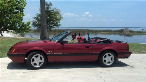 Jose  Vazquez's 1986 Ford  Mustang
