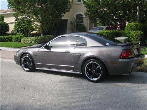 Jose Garcell's 2003  Ford Mustang