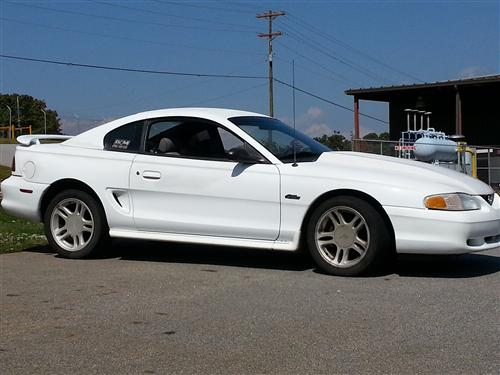 Justin Gillespie's 1996 Ford Mustang gt