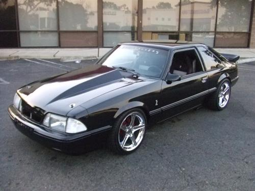 marco martins' 89 ford mustang