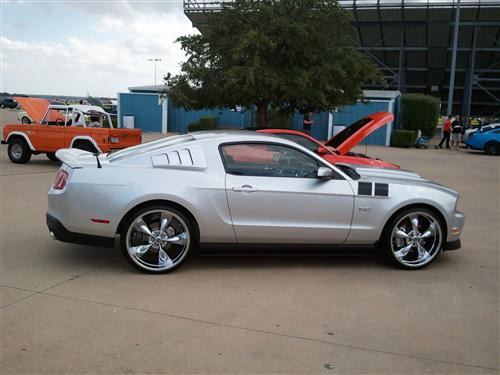 oscar bishop's 2011 ford mustang gt 5.0