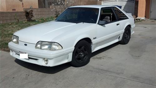 Oscar Mir's 1990 Ford Mustang