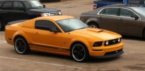 Ramiro Chavez's 2007 Ford Mustang GT