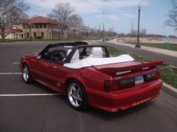 RICK  HERNANDEZ's 1988 FORD MUSTANG G.T.