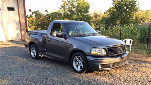 Rob Lubelli's 2003 Ford  Svt Lightning