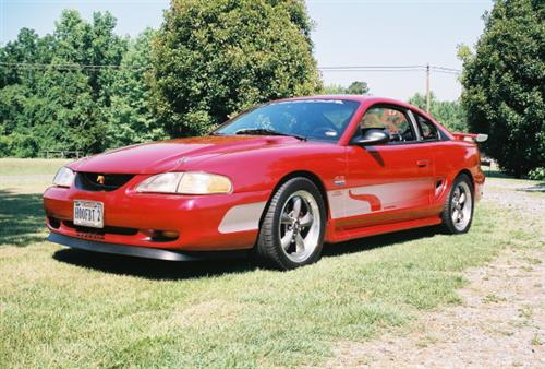 ROBBIE GUTHRIE's 1998 FORD  MUSTANG GT