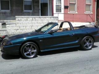 Robert Villeaume's 1994 Ford Mustang