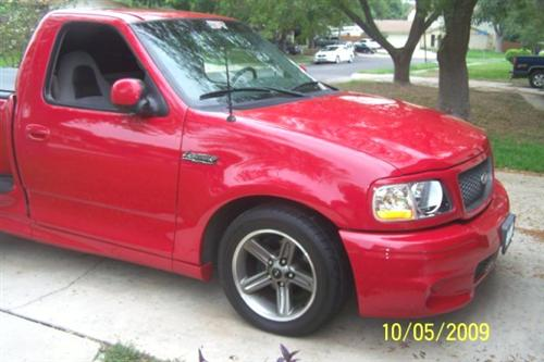 Ted  Sendejo's 2000 Ford  Lightning