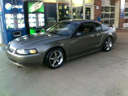 Tyler Cyrus' 2002 ford Mustang gt